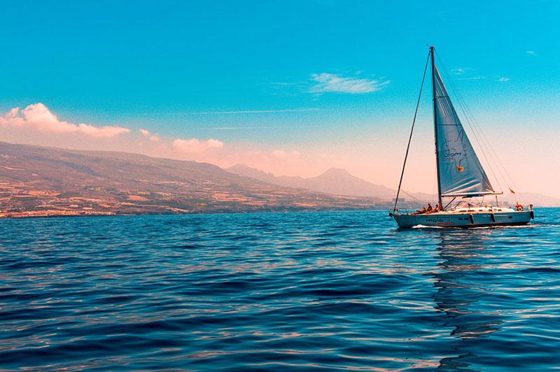 Image of a sailboat.